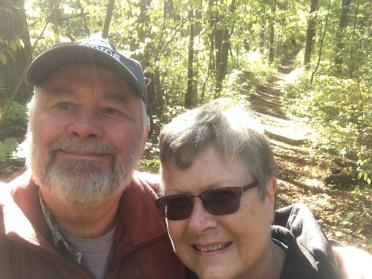 4 poka hike selfie
